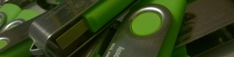 Grabación láser de Usb Pendrive para la Asociación de Cactófilos
