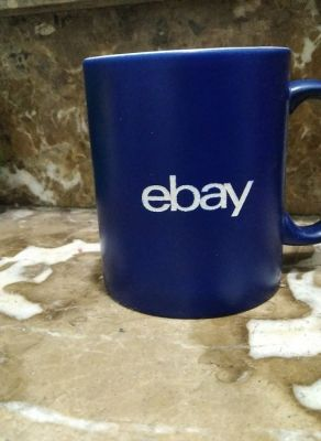 Grabación de tazas azul de porcelana personalizadas para regalo de empresa de Ebay. Grabación láser