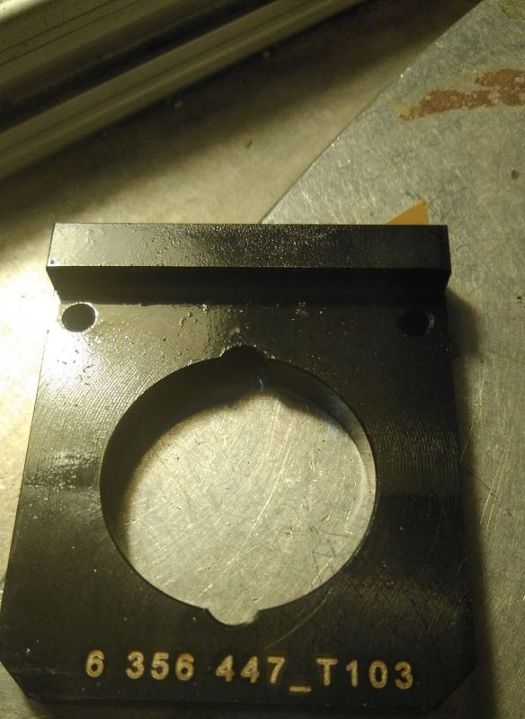Grabación de pieza de metal para la industria del metal con sistema de numeración consecutivo y códigos de barras grabado con máquina láser de metal co2 2