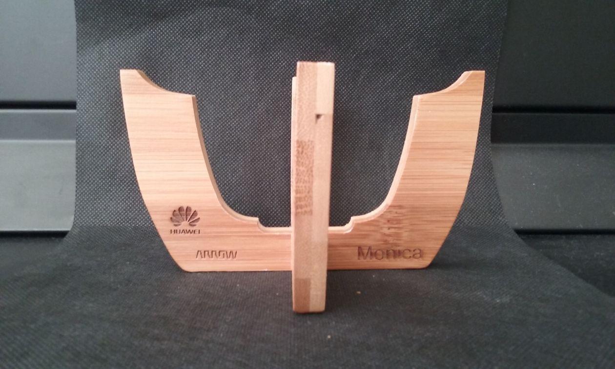 Grabación de suporte de madera para empresa Huawei