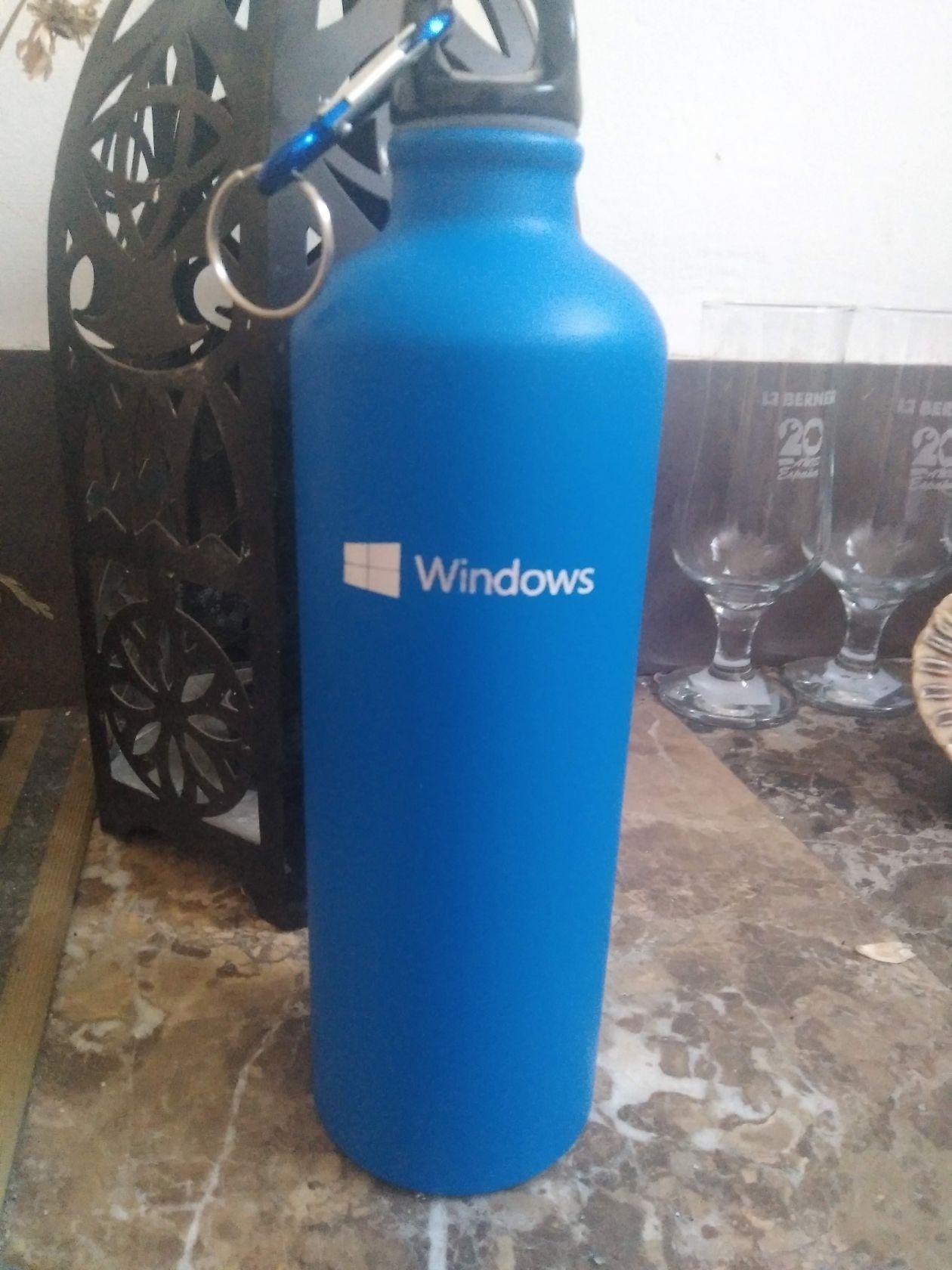 botella de metal para microsoft con personalización y grabado laser
