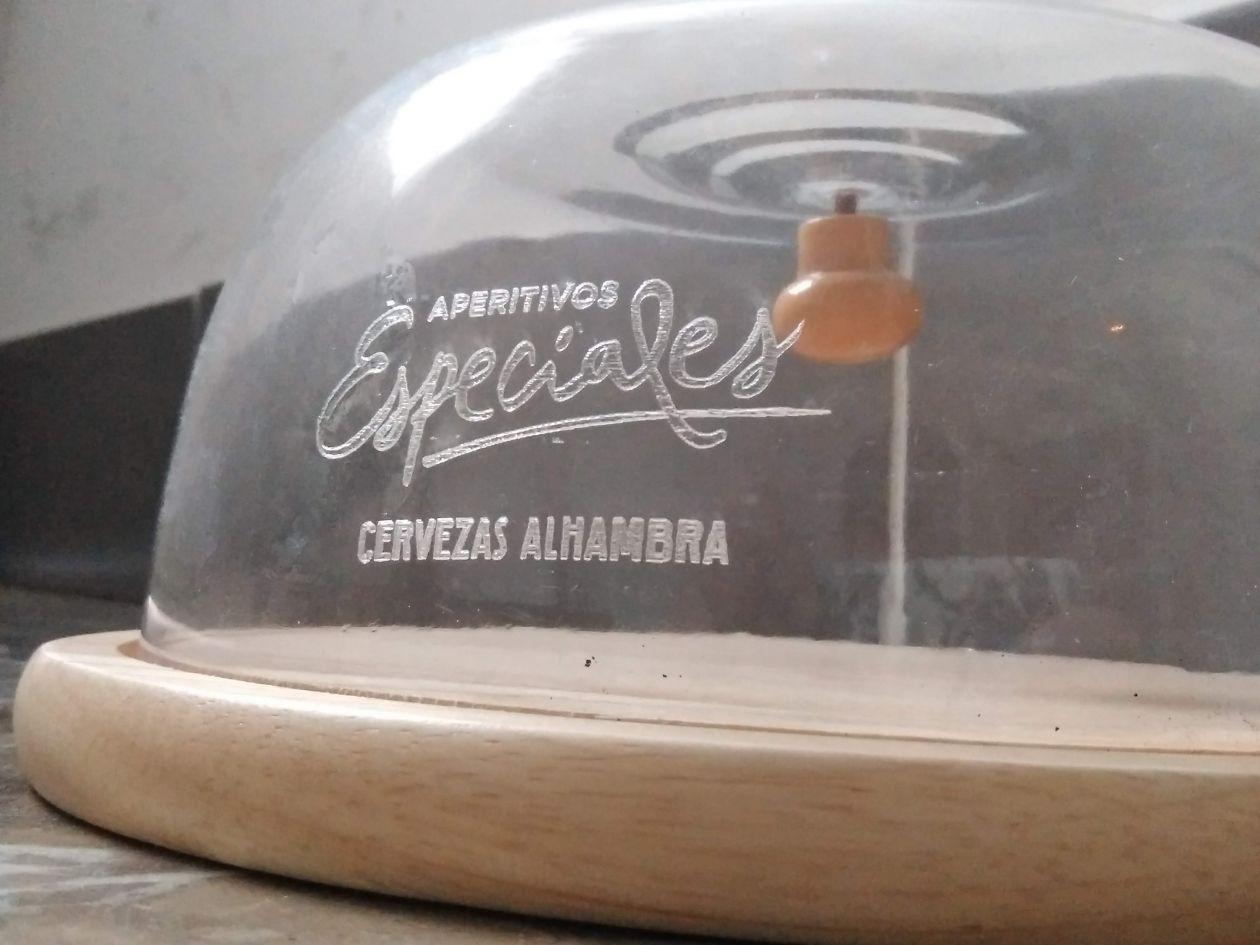quesera de cristal con grabación laser personalizada sobre cristal y vidrio