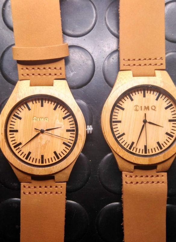 grabación reloj de madera, grabación de reloj de mambu, regalo publicitario empresa grabación con laser